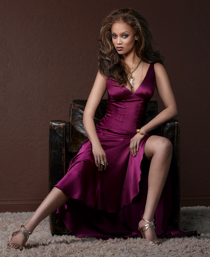 Tyra Banks Clothing Line: America's Next Top Model Cycle 22